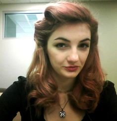 Pinup hair!