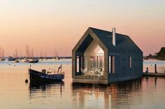 2-storey floating home