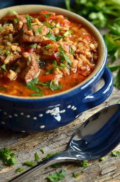Georgian Georgian goulash soup - heaven on a plate Best Soup Recipes, Diet Recipes, Cooking Recipes, Favorite Recipes, Healthy Recipes, Pizza Recipes, A Food, Food And Drink, Best Food Ever