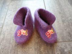 Jentetøfler Needlework, Blogging, Baby Shoes, Slippers, Knitting, Crochet, Fashion, Embroidery, Moda