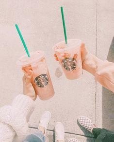 Starbucks Art, Starbucks Drinks, Starbucks Coffee, Peach Aesthetic, Aesthetic Coffee, Summer Aesthetic, Aesthetic Images, Aesthetic Collage, Aesthetic Food