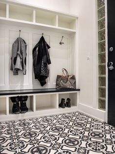 Mudroom ideas | entryway storage and wall cubbies | unique black and white floor tile | Décor Aid