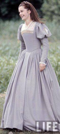 Genevieve Bujold as Anne Boleyn in 'Anne of a Thousand Days'. Best Anne Bolyen ever.