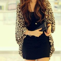 Black dress with leopard cardigan fashionista Fashion Mode, Look Fashion, Fashion Beauty, Autumn Fashion, Womens Fashion, Fashion Night, Looks Chic, Looks Style, Style Me
