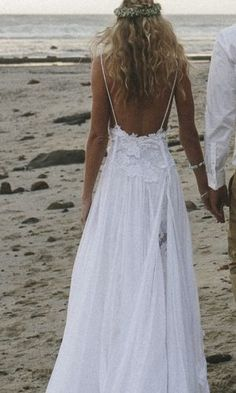 Beach boho wedding dress by Grace loves lace www.graceloveslace.com Boho bride