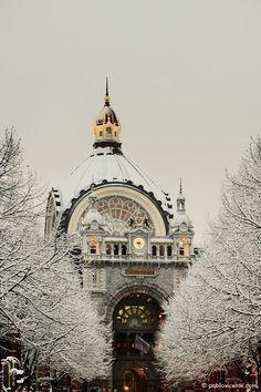 centraal-station-antwerpen-besneeuwd – Pablo Vicente - Fotograaf Antwerpen