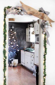 Украшаем дом новогодними гирляндами