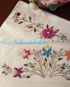 Şükran Danaoğlu (@sukraninhobievii) • Instagram fotoğrafları ve videoları Embroidery Flowers Pattern, Learn Embroidery, Flower Patterns, Embroidery Designs, Brazilian Embroidery, Stitch, My Favorite Things, Letters With Flowers, Towels