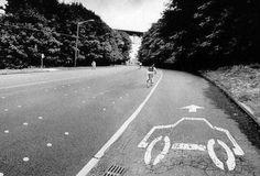When bike lane advocates dream. Road Cycling, Road Bike, Tesla Model S Price, Mtb, Bike Poster, Commuter Bike, Bicycle Art, Bicycle Design, Daily Photo