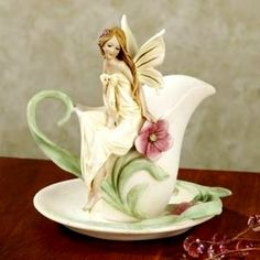 Rosebud Fairy Teacup Accent
