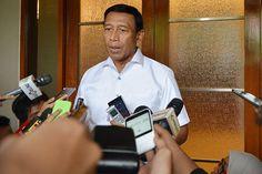Mengapa Wiranto Tinggalkan Kantor NasDem Tanpa Alas Kaki dan Naik Taksi?
