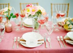 wedding table setting - simple floral arrangement