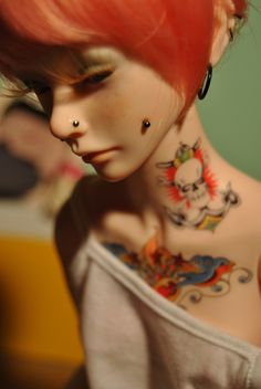 Cheek dermal piercings + tattoos + a kickass pallet, lul  Dollmore Zaoll  ((… I remember sourcing this, but apparently I didn't actually link back. how. orz Sorry about that, creator-chicka, love your work))