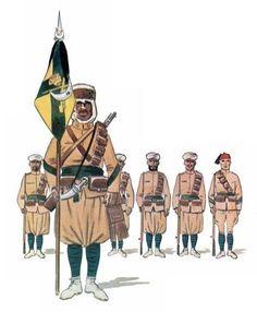 Grupo de Regulares Nº 4 Larache. Portaguión y tropas Army History, Ww2, Military Uniforms, Spanish, Empire, Armies, Pictures, Morocco, Aircraft