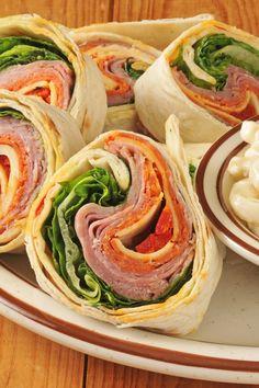 Easy No Cook Italian Antipasto Wrap Sandwiches Recipe with Cream Cheese, Basil… Healthy Foods To Eat, Healthy Snacks, Healthy Eating, Healthy Recipes, Salmon Pinwheels, Tortilla Pinwheels, Ideas Sándwich, Party Ideas, Italian Antipasto