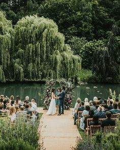 No words. 😍😍😍 photo by Igor Demba at Busbridge Lakes Lakeside Wedding, Creative Wedding Photography, All Over The World, Wedding Ceremony, Dolores Park