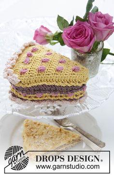 """Fatia de bolo DROPS para o Dia de S. Valentim com frutos e chantilly, em """"Muskat"""". ~ DROPS Design"""
