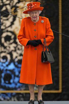 Royal Monarchy, Royal Diary, Prince Edward, Buckingham Palace, Royal Fashion, British Royals, Queen Elizabeth, Cool Photos, Royalty