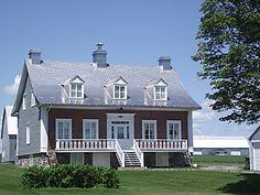 Belle d'autrefois à L'Île-D'Orléans Old Quebec, Quebec City, Acadie, Mansard Roof, Canada, Photos Voyages, Lofts, Architecture, Montreal