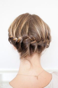 How To : wrap braid http://www.refinery29.com/helmet-hairstyles/slideshow?page=19#slide-19