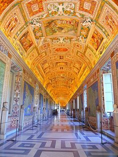 We loved our early bird tour of the Sistine Chapel, St Peter's and Vatican in Rome, Italy - Luxury Columnist - Photography Blog