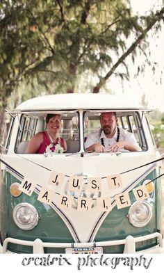 VW Bus, flowers and Beaches | Hawaii Wedding Photographer - Creatrix Photography Blog