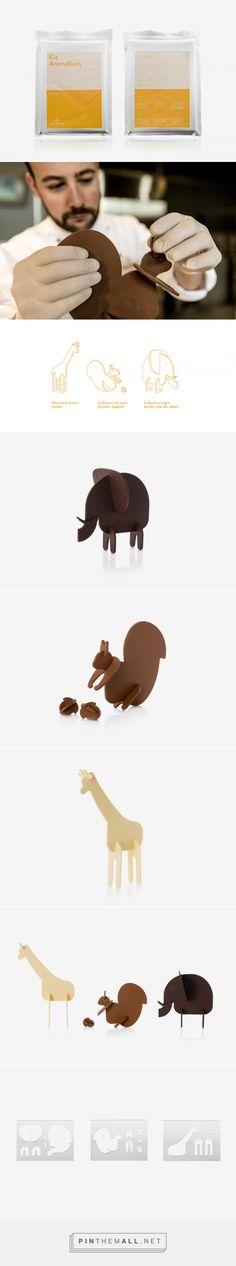 Kit Animalium   Josep Ma Ribé #packaging #chocolate #puzzle