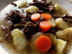 Ελληνικές συνταγές για νόστιμο, υγιεινό και οικονομικό φαγητό. Δοκιμάστε τες όλες Pot Roast, Ethnic Recipes, Food, Carne Asada, Roast Beef, Meals, Yemek, Eten