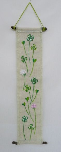 hanging no.7  needlework art Ⓒ Nagako Ono HAPPa_Ya #art #plants #hanging #clover