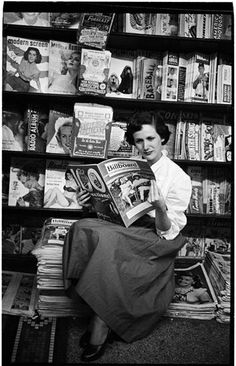 U.S. Woman reading Billboard magazine, 1949 // Stanley Kubrick Look magazine 1949