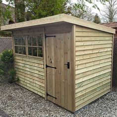 Made with strength in mind, the Holt Pent shed is constructed with a heavy duty design. Each Holt Pent has robust framing throughout with a rot-proof, 20mm, pressure treated floor to provide a truly solid structure.