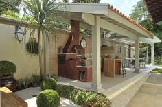 Stunning Decorate Garden Idea With Outdoor Kitchen And Bar Stools Idea Under Gazebo As Well Dining Table Set Including Flower Garedn Idea In The Nearby Ideas to Decorate The Garden at Low Cost Exterior design Design Barbecue, Barbecue Area, Gazebo, Pergola, Outdoor Spaces, Outdoor Living, Outdoor Decor, Outdoor Pavillion, Exterior Design
