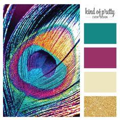 Paleta de colores inspirada en las plumas del pavo real, con los colores teal, berenjena y dorado #peacock #palette #gold #glitter #eggplant #teal