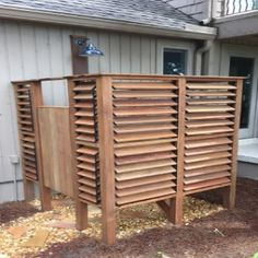 Easy louvered outdoor shower with controlled privacy panels! DIY with FLEXfence, beautifully done by