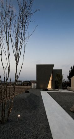 Ginan is a minimalist house located in Gifu, Japan