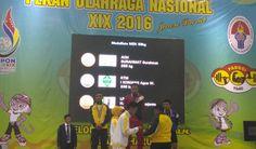 Kontingen Aceh meraih medali emas pertama yg dipersembahkan Surahmat dari cabor angkat besi kelas 56 kilogram putra. Sementara itu perak diraih lifter Kaltim I Komang Agus dengan total angkatan 246 kilogram dan perunggu oleh Harjanto (Lampung) dengan total angkatan 243 kilogram. #PON2016