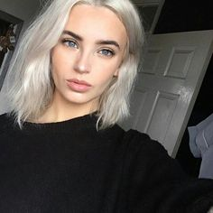 Lace Frontal Gray Wig Black Girl Wig 613 Bob Hair Extensions To Thicken Hair Raw Hair Suppliers Blonde Hair Black Eyebrows, Dark Roots Blonde Hair, Dark Hair, Light Hair Dark Eyebrows, Bleached Blonde Hair, Black Hair Pale Skin, Short White Hair, Dark Brows, Bleach Blonde