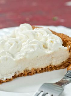 Ricardo Cuisine helps you find that perfect pie recipe. Learn how to make lemon meringue pie, maple syrup pie, frangipane tart, pecan pie, and more. Vanilla Cream Pie Recipe, Cream Pie Recipes, Easy Smoothie Recipes, Snack Recipes, Dessert Recipes, Snacks, Cheesecake Recipes, Yummy Recipes, Cookie Recipes