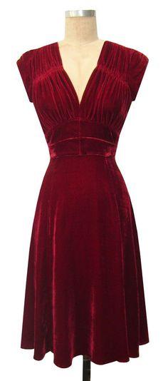 1940s dress red velvet. Moditional. (Modern+traditional)