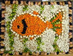 bean mosaic  - how crafty!