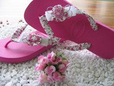 Lindos com detalhes em laço e flor