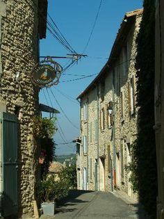 GOULT / La Bartavelle.  Rue du Cheval Blanc  84220