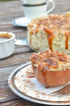 Das Essperiment: Weihnachtlicher Bratapfel-Marzipan-Cheesecake mit Zimtstreuseln und Karamelltopping