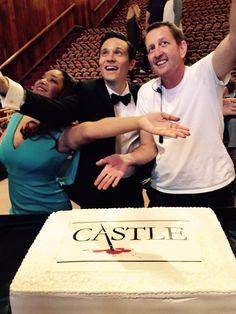 Writing on the Castle Walls Castle 2009, Castle Abc, Castle Tv Series, Castle Tv Shows, Seamus Dever, Castle Beckett, Stana Katic, Criminal Minds, World Traveler