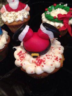 Santa stuck cupcake !