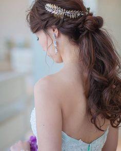 甘すぎず、落ち着きすぎず*披露宴の髪型に悩む花嫁さんにオススメの『姫風ダウンスタイル』まとめ♡ | marry[マリー]