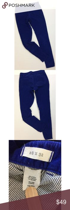"""MADEWELL Skinny Skinny Corduroy Jeans Blue 28x32 PRODUCT DETAILS Our superslim and super-stretchy fit. •Sit below waist. •Fitted through hip and thigh, with a slim leg. •Leg opening: 11"""". •Inseam: 32"""", •85% cotton/14% poly/1% spandex. •Machine wash. •Import.  To ensure proper fit, please review measurements. Measurements are in inches, taken flat (double where appropriate)and are approximate: Inseam :   32 Waist: 15 Rise: 8.5  ***Thank you for your business!*** Madewell…"""