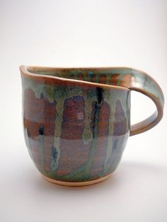 Slab Pottery Cups Pottery - Hobbies paining body for kids and adult Hand Built Pottery, Slab Pottery, Pottery Mugs, Ceramic Pottery, Pottery Designs, Mug Designs, Pottery Ideas, Pottery Patterns, Ceramic Cups
