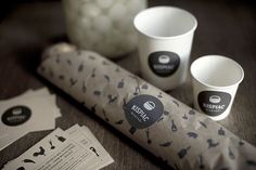 Lovely selection of branding and packaging projects by Eszter Laki . Great combinations of texture and process, great food packaging! Salad Packaging, Cool Packaging, Paper Packaging, Coffee Packaging, Brand Packaging, Packaging Design, Sandwich Packaging, Packaging Ideas, Design Editorial
