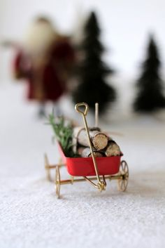 Vintage Wagon & Log Place Cards by homework (carolynshomework Holiday Places, Xmas Crafts, Creative Inspiration, Homework, Place Cards, Card Making, Place Card Holders, Holidays, Celebrities